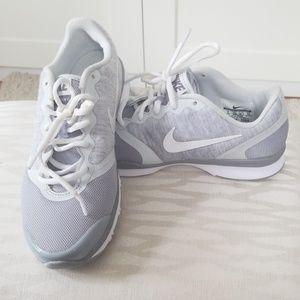 Like New Nike Training sneakers - Size 6